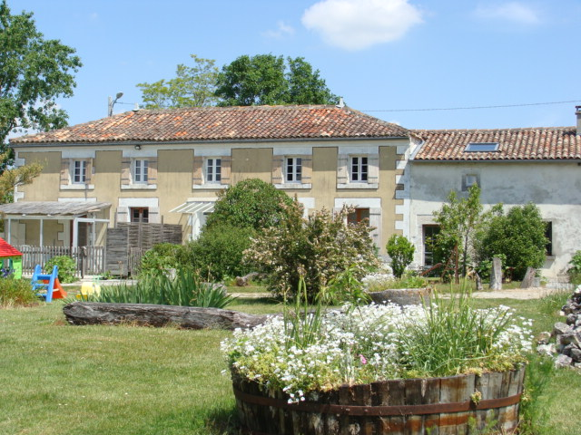 Charente Maritime – B & B and holiday cottages